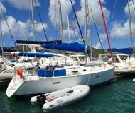 Sailing yacht Oceanis 343 for hire in Manuel Reef Marina