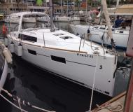 Segelyacht Oceanis 35 chartern in Port Olimpic Marina
