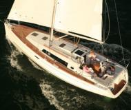 Yacht Oceanis 37 available for charter in Alimos Marina Kalamaki