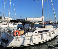 Sail boat Oceanis 37 for hire in Port of Skopelos