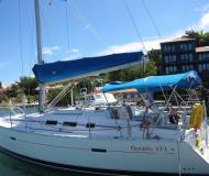 Yacht Oceanis 373 available for charter in Castries