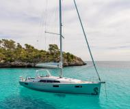Sailing yacht Oceanis 411 for hire in Port Olimpic Marina
