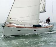 Sailing yacht Oceanis 43 for rent in Marina Cala de Medici