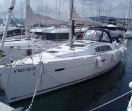 Sailing boat Oceanis 43 for charter in Palamos