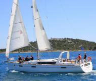 Segelyacht Oceanis 45 chartern in Betina