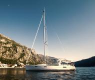 Segelboot Oceanis 45 chartern in Marina Kotor