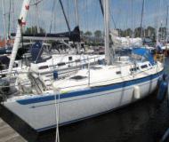 Yacht Spirit 36 for charter in Marina de Vrijheid