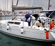 Yacht Sun Odyssey 33i chartern in Izola