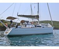 Sailing yacht Sun Odyssey 33i for rent in Port of Skopelos