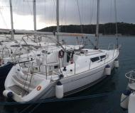 Segelyacht Sun Odyssey 36i chartern in YC Marina