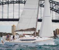 Segelyacht Sun Odyssey 379 Yachtcharter in Hafen von Hyeres