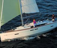 Sailing yacht Sun Odyssey 419 available for charter in Piombino