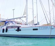 Sun Odyssey 42 DS Segelyacht Charter San Vincenzo