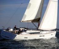 Yacht Sun Odyssey 439 - Sailboat Charter Poros