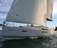 Segelboot Sun Odyssey 449 Yachtcharter in Marina Lindholmen