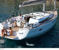 Sailing yacht Sun Odyssey 509 for hire in Gouvia