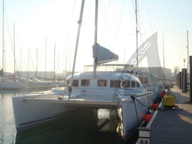 Katamaran Lagoon 380 S2 chartern in Marina Kornati
