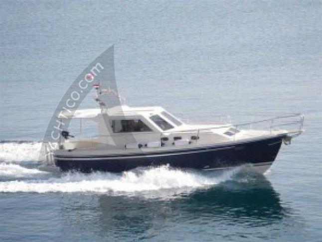 Adria 1002 Vektor Motoryacht Charter Zadar