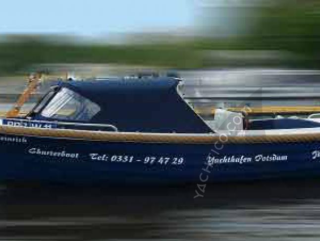 Motorboot Crescent Allure C21 chartern in Potsdam