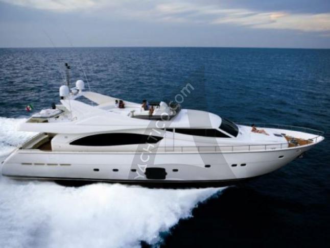 Ferretti 880 Motoryacht Charter Krk