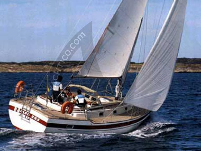 Yacht Najad 343 - Sailboat Charter Stillingsoen