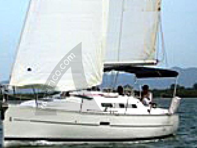 Oceanis 323 Segelyacht Charter Phuket
