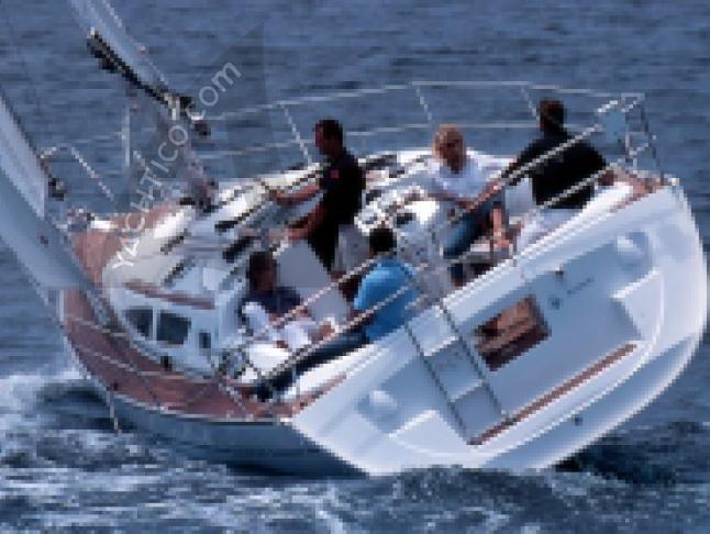 Sun Odyssey 35 Segelyacht Charter Castiglione della Pescaia