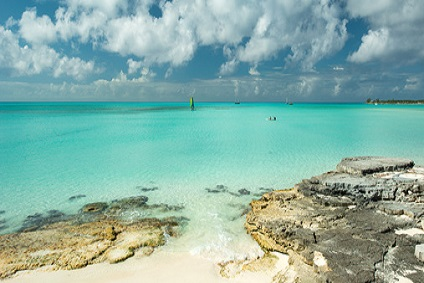 Bahamas Yacht Charter - TOP Places to visit - Long Island | YACHTICO.com